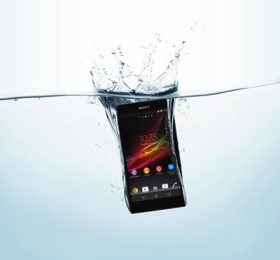 xperia-z-water