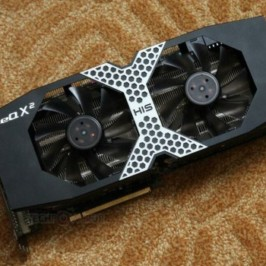 Выпуск Radeon HD 7990 в очередной раз откладывается