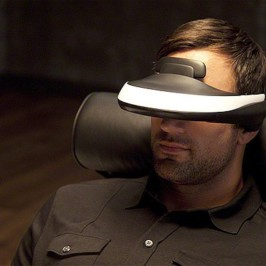 Кино для себя любимого. Индивидуальный 3D-дисплей Sony HMZ-T1