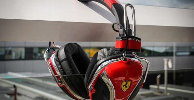 Звуки Ferrari – наушники от автобренда
